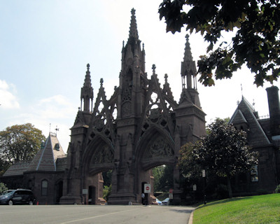 Green-Wood Cemetery entrance